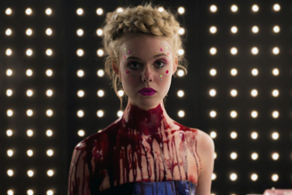 elle-fanning-the-neon-demon-2016-promotional-posters-stills-1